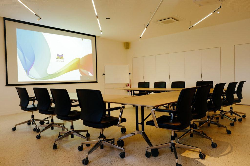 Salle de réunion équipée Comptoir 532